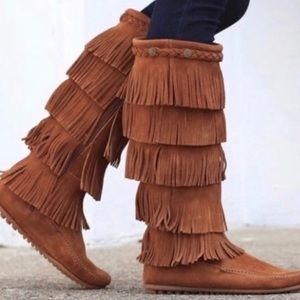 Minnetonka 5-Layer Fringe Moccasin Boots